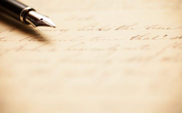 便箋に結婚式のお礼状を手書きで書いているところ2