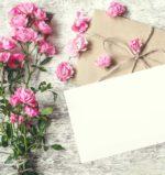 「二次会の招待状」の送り方のポイントとは? 結婚式の招待状とは何が違うの?