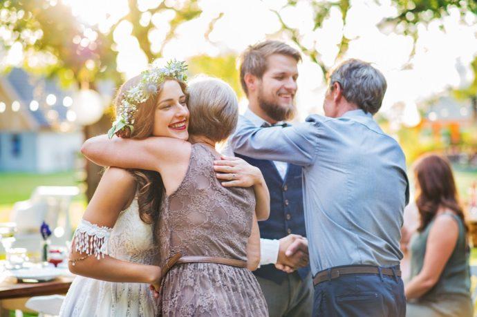 結婚式のお礼や感謝の気持ちを伝えるイメージ